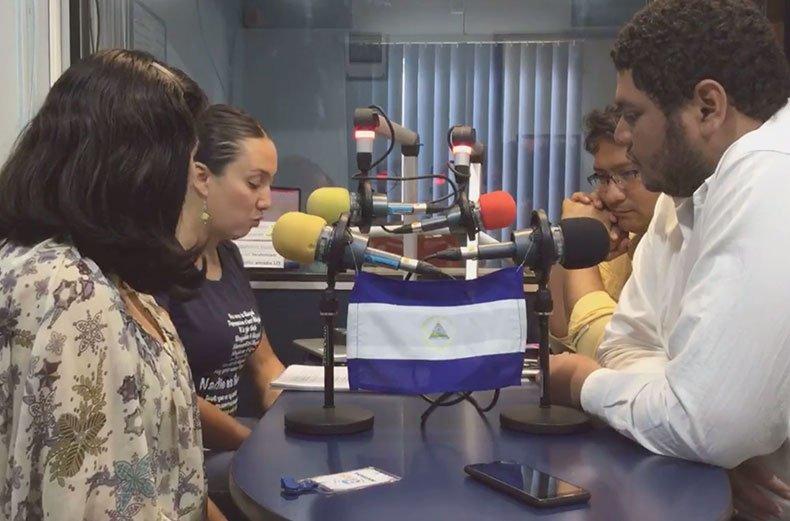 Colectivo en Radio 870 UCR