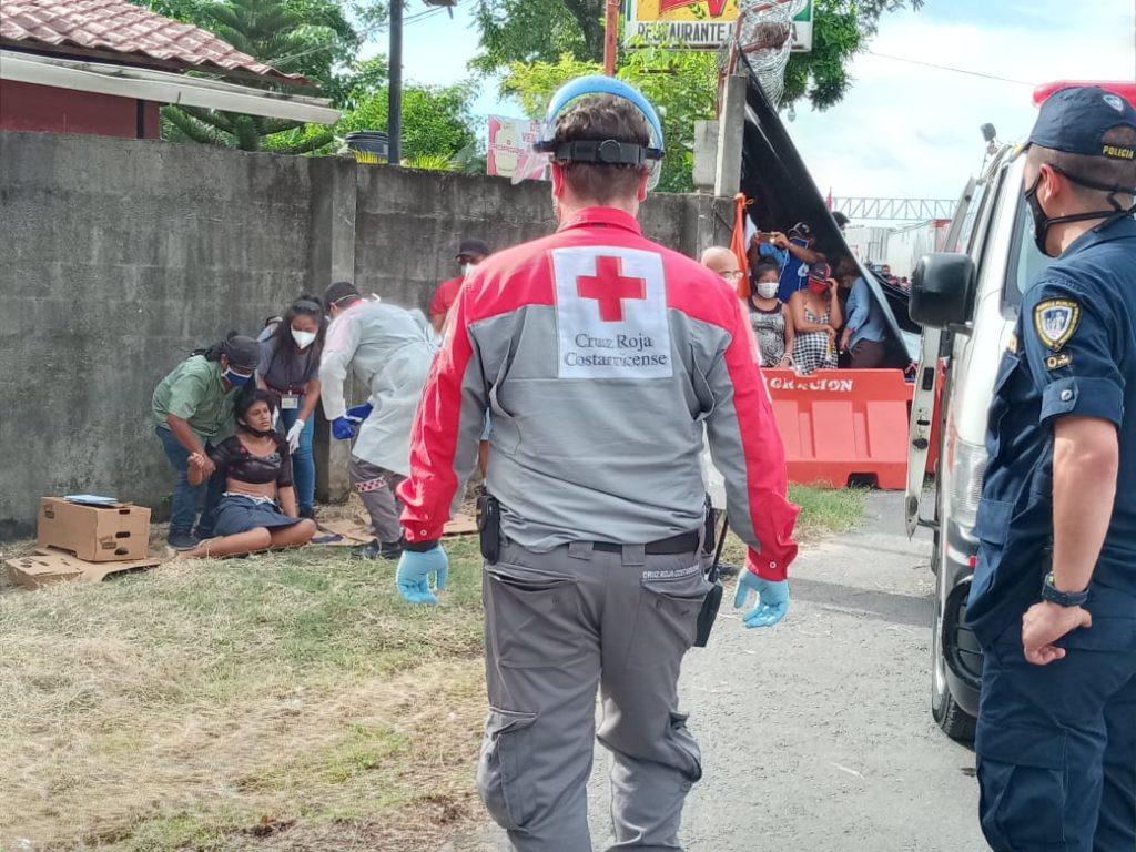 Auxilio de Cruz de Roja costarricense